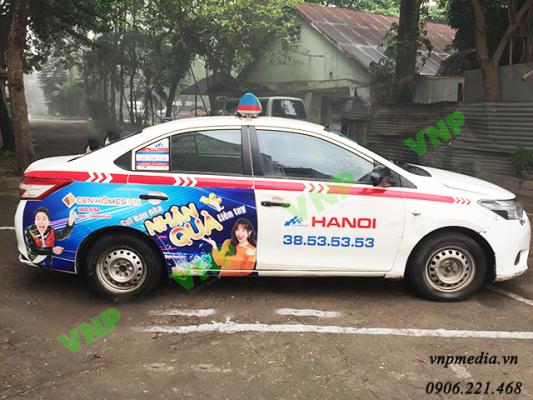 quảng cáo taxi tràn đuôi
