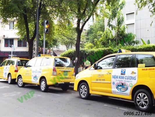 quảng cáo taxi công cụ truyền thông marketing